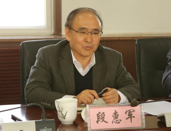 省政协调研省科技馆新馆建设工作